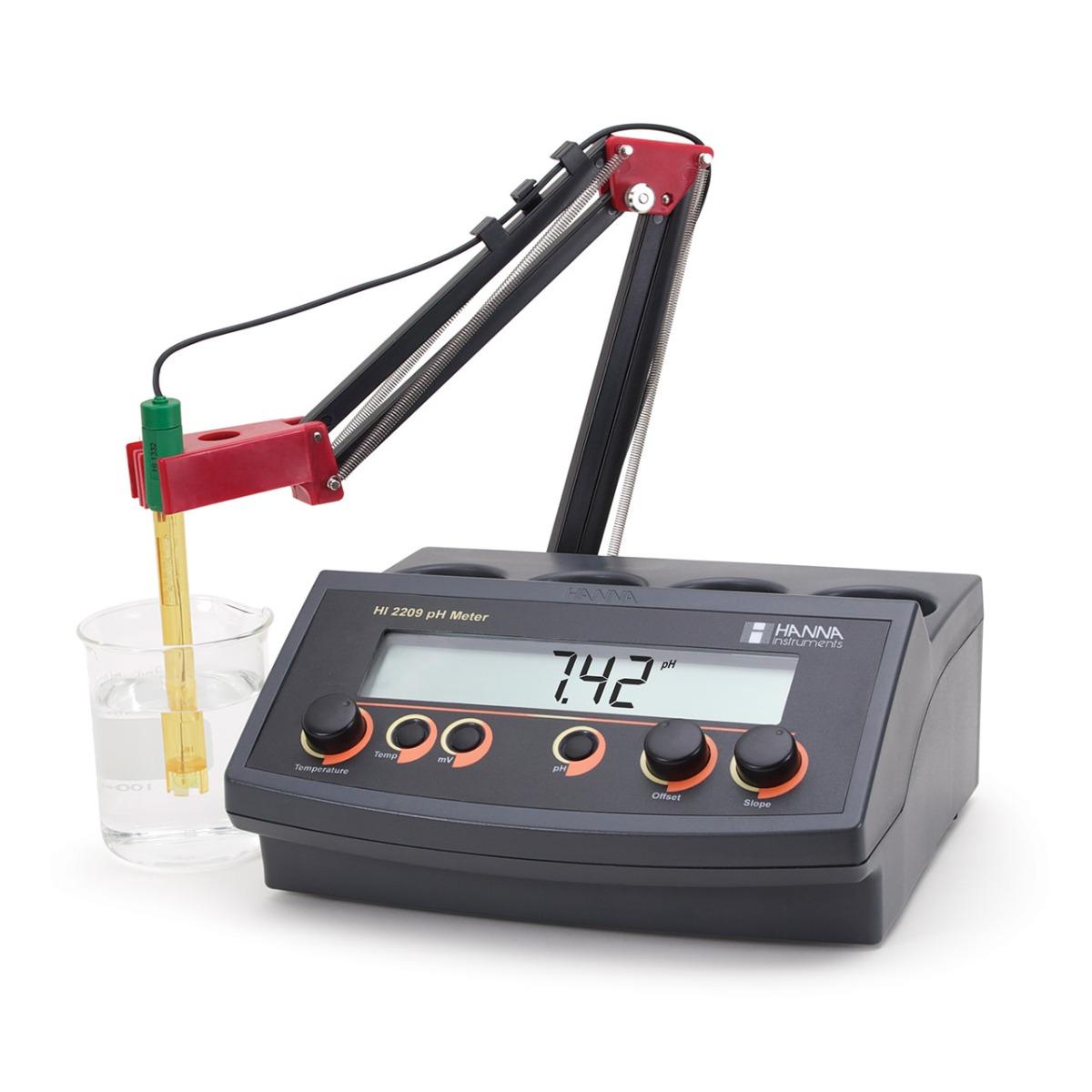 HI2209 pH/mV Benchtop Meter