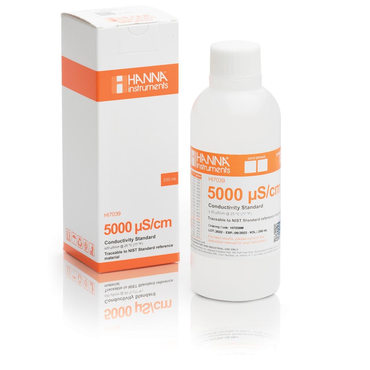 Soluzione standard di conducibilità 5000 µS/cm (flacone da 230 mL) - HI7039M