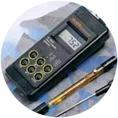 1990 — World's first waterproof portable pH meter
